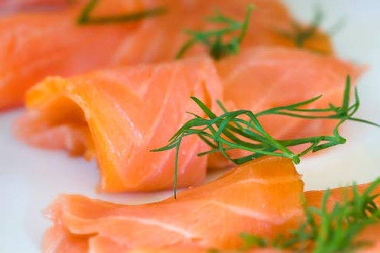 Omega-3-rasvahappoja saa rasvaisesta kalasta, kalaöljystä, kalanmaksaöljystä sekä kasviöljyistä ja siemenistä.