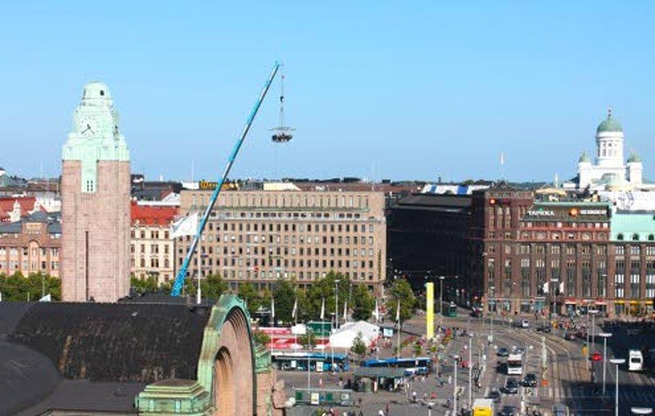 MENU-kainalojutun (Makuja Italiasta Helsingin taivaalla) yhteyteen nämä kuvat, tiukat rajaukset