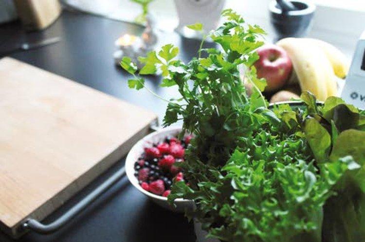 Una Jalli suosittelee oikeanlaisia aineksia kehon ja mielen hyvinvointiin.