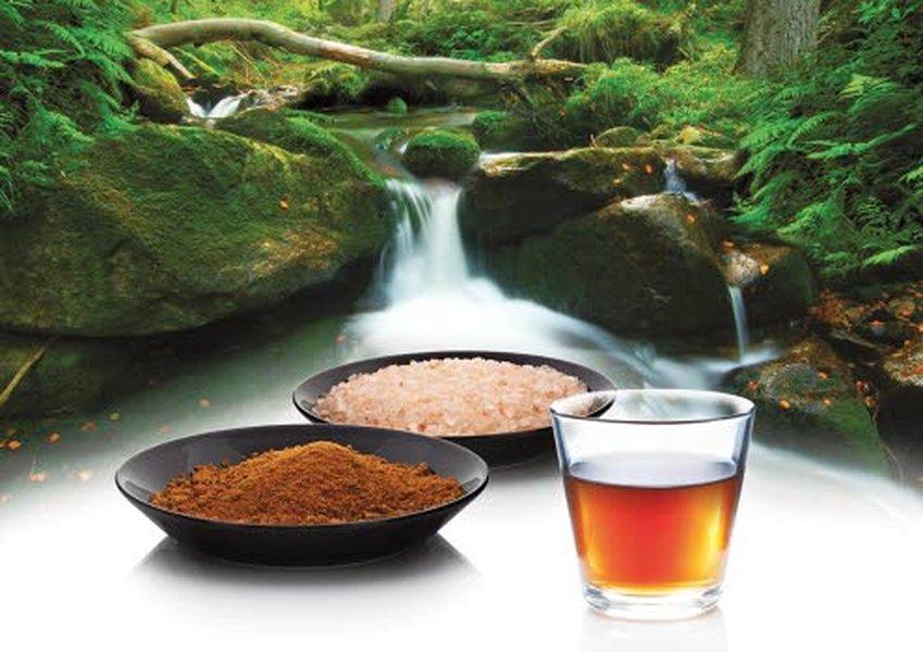 Jaksamisjuoma valmistetaan aidosta Intiaanisokerista sekä ruususuolasta.