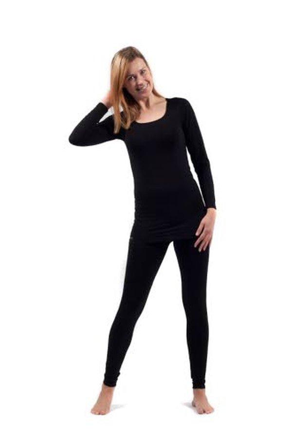 Talvisaikaan kuluttajat suosivat Tam-Silkin valikoimista villasilkkisiä alusasuja, kuvan kerrasto on villasilkkiä.