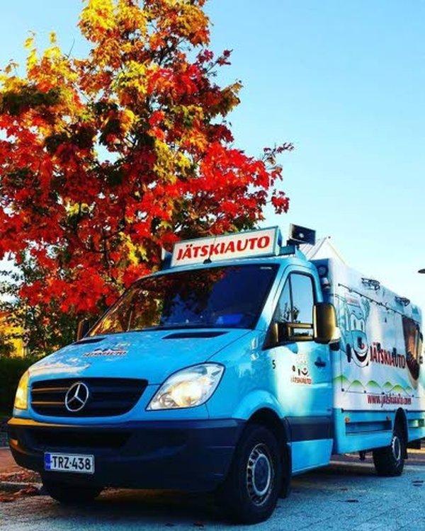 Suomen Jätskiauto Oy:n myyntireitti kattaa nykyään myös Ahvenanmaan.