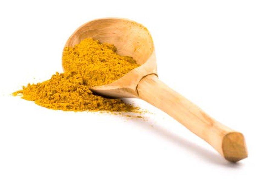 Intialaiset käyttävät kurkumaa jopa 1,5–2 grammaa päivässä. Euroopassa se on ollut lähinnä ruoan lisäaine ja mauste, mutta nykyään kurkuman
