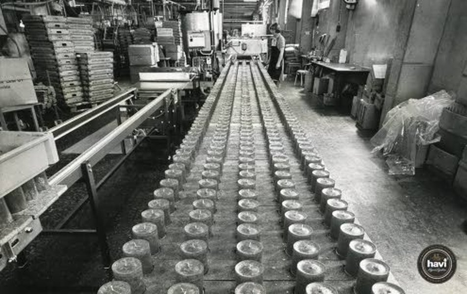 Tukkukauppias Anton Alfthan aloitti kynttilöiden tehdastuotannon Karjalankannaksella marraskuussa 1829. Viipuriin Alfthan siirtyi 1849. Talvisodan jaloista Havin kynttilätehdas siirtyi Riihimäelle.