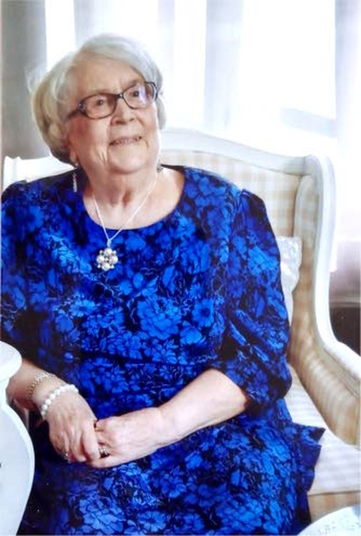 Iris Palosaari 85-vuotispäivänään. Hän on nyt 86-vuotias.