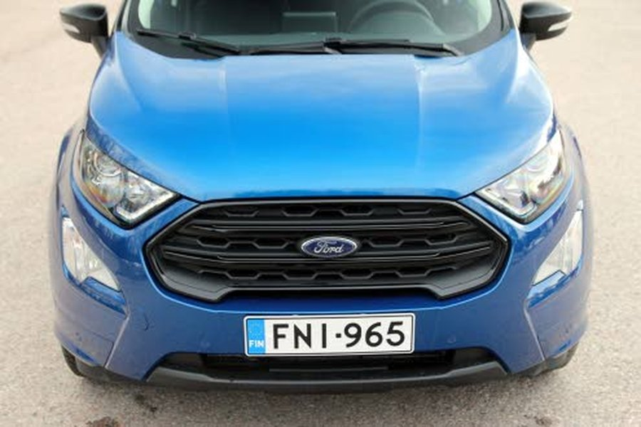 Ford EcoSport ei lainkaan häpeile kompaktia kokoaan, vaan lähtee reilusti samalle viivalle isompien katumaasturien kanssa!