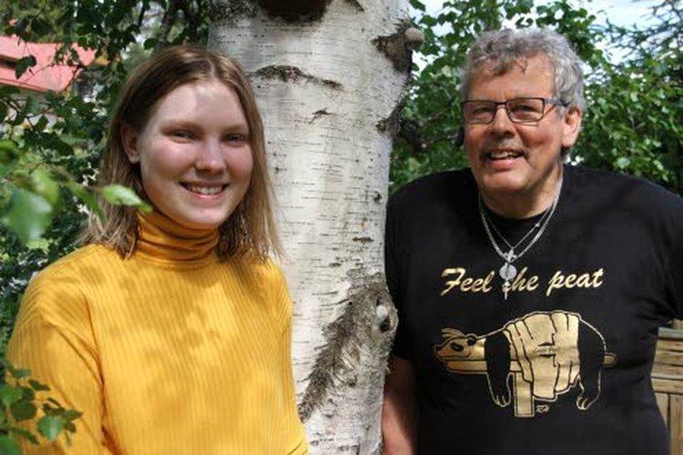 Ihanasti rentoutti, Netta Humalamäki kiitti Heikki Ruhaa kokeilemastaan kokovartaloturvehoidosta eli Ähtärikasteesta.