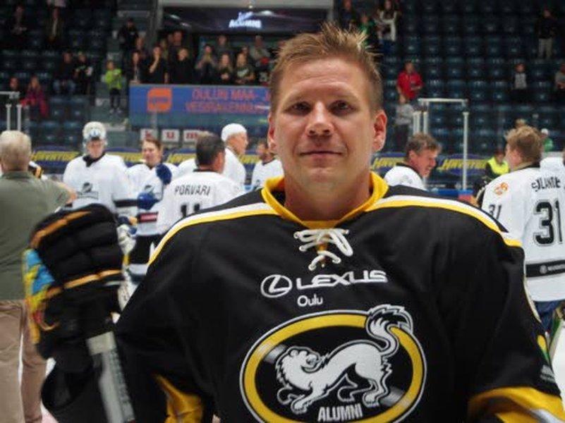 Liigan menestynein pelaaja Ilkka Mikkola pelaa nykyisin yhden pelin kaudessa. Kuvassa mies viime vuodelta Liigan Alumnien tähdistöpelistä. Kuva: Minna Stenius.