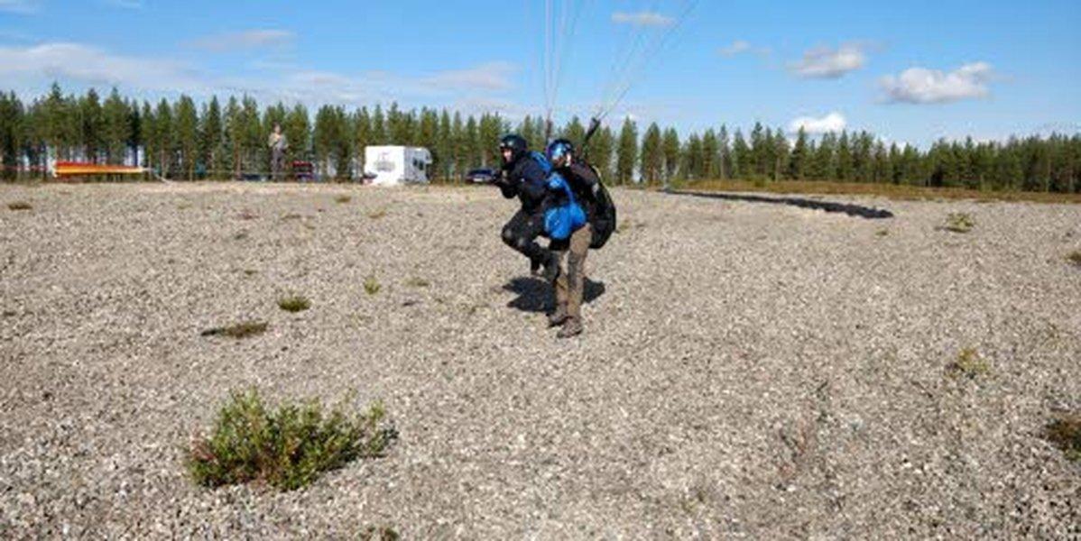 Minna Steniuksen koulutus on tässä vaiheessa siirtynyt tekniseen osioon. Kouluttajana Simo Pietilä.