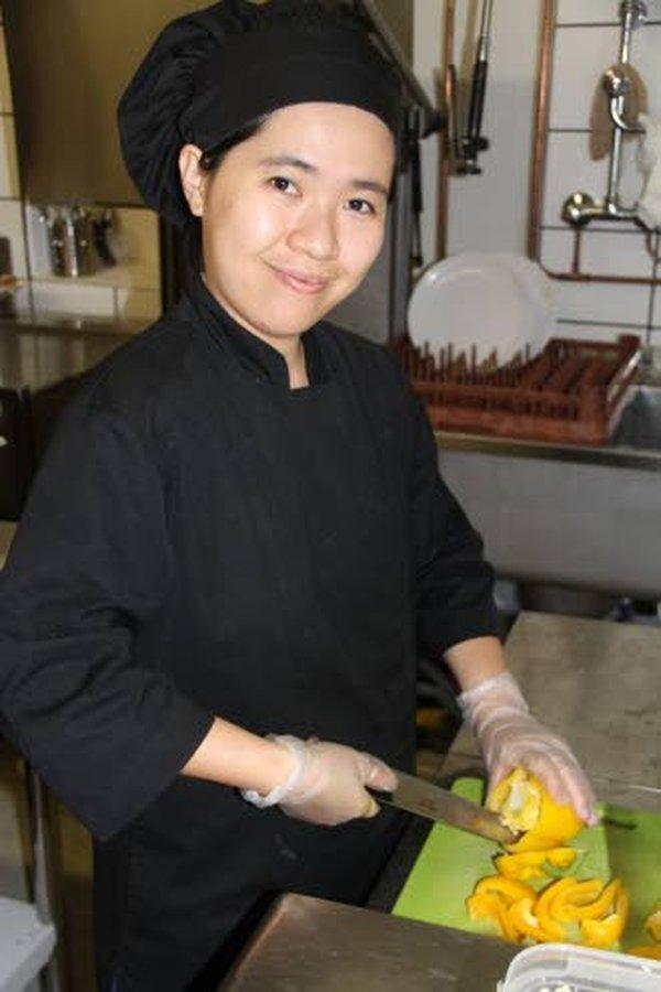 – Tuoreet kasvikset, vihannekset ja hedelmät ovat tärkeimmässä osassa vietnamilaista ruoanlaittoa, kertoo Rosa Nguyen-Nykänen.