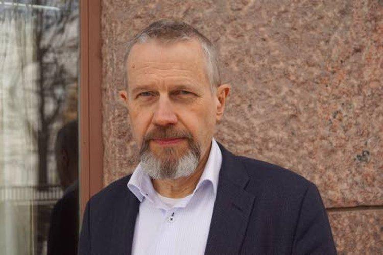 Matti Virtasen mielestä ilmastonmuutoskeskustelusta on tullut liikaa mielipiteisiin ja toisen käden tietoon nojaava, ja se kelluu irrallaan tieteellisestä kontekstista ja ensikäden tutkimuksista.