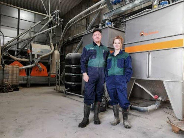 Hannulan tila työllistää isäntäparin Leevi ja Elina Hannulan lisäksi yhden ulkopuolisen.