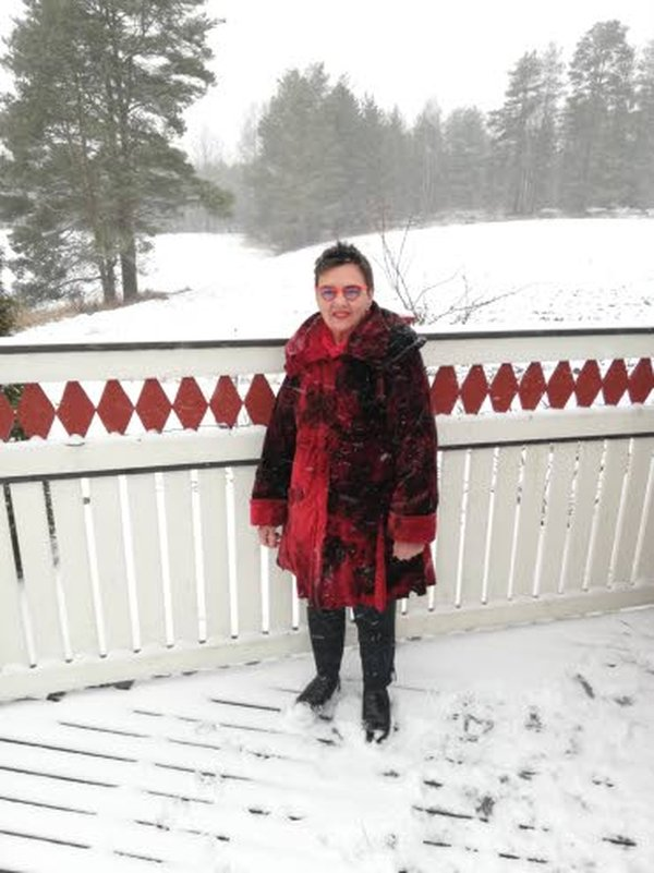 Ulla Alanen käyttää kurkumaa luonnollisena särkylääkkeenä ja tulehduskipulääkkeenä. Kurkumaa saa nykyään kapseleina.