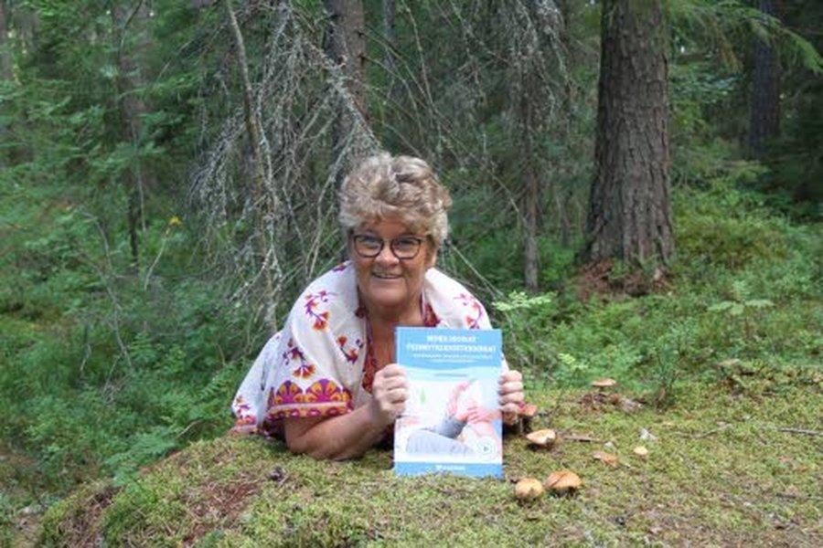 Leila Kattilakosken kirjassa perinteisen jäsenkorjauksen tekniikoita on havainnollistamassa videot erikseen jokaisesta tekniikasta. Video avautuu koodilla.