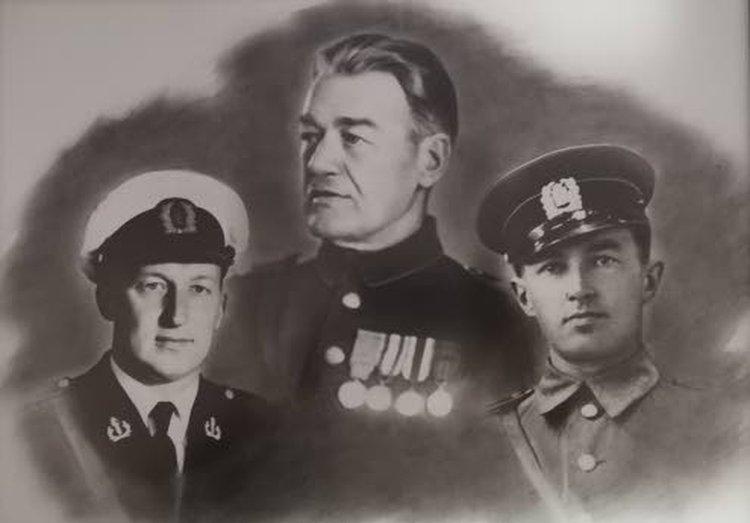 Kolmesta eri kuvasta koostetussa kuvassa Jorma Salkosalo on vasemmalla. Keskellä Jorman isosisä Ernst Salkosalo ja oikealla Jorman isä Veikko Salkosalo.