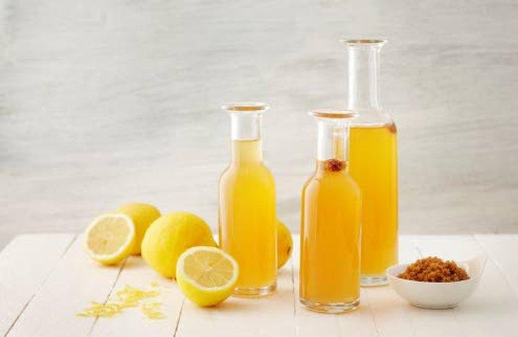 Simaan käytetään sekä valkoista sokeria että fariinisokeria. Resepti ja kuva: DanSukker.